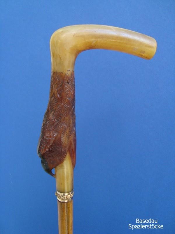 Adlerkopf aus Horn