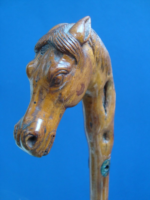 A horse`s head of wood